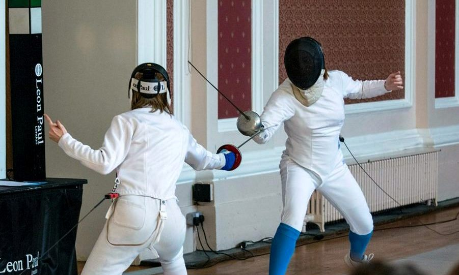 FencingVarsity2015Womens2nds