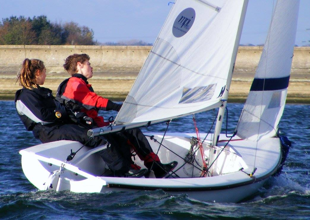 Jem Lawson and Paris Thomas sailing upwind.