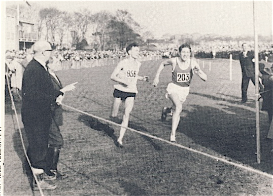 Mike Turner (right) in a thrilling sprint finish with Ron Hill, National Championships 1966.
